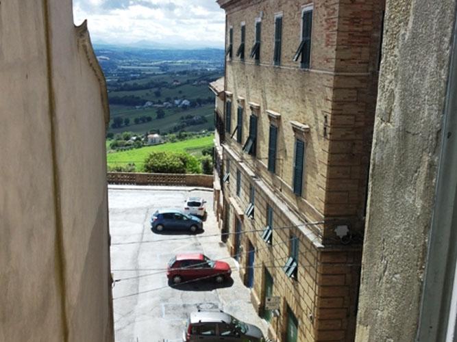Osimo centro storico ampio appartamento